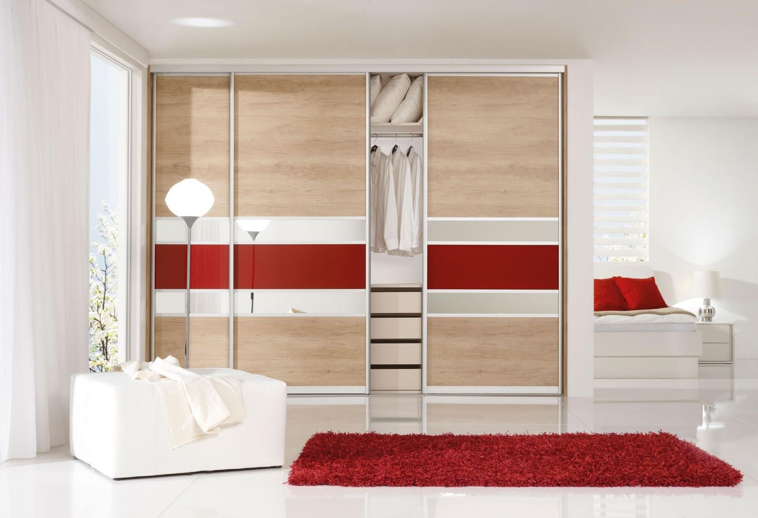 Vgradna garderobna omara za predsobo