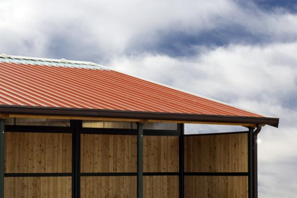 Pločevinasta streha z izolacijo
