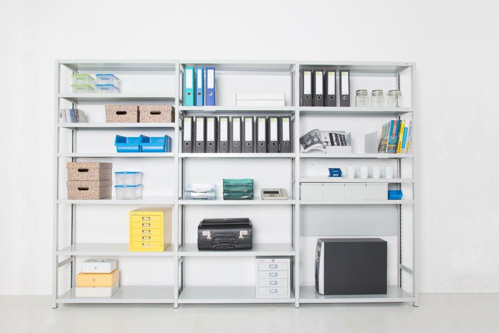 Kovinsko pisarniško pohištvo za shranjevanje dokumentov