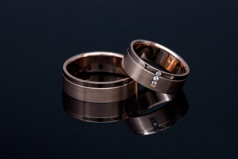 Moški zaročni prstan