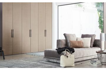 garderobne omare za spalnico z drsnimi vrati