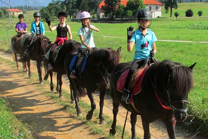 Jahanje konj za otroke