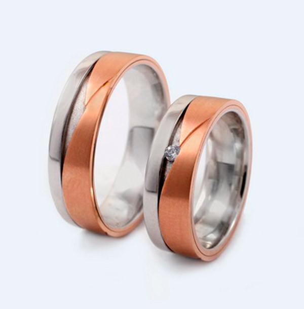 Srebrni in zlati poročni prstani